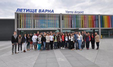 Студенти от 3 континента поздравяват варненци по случай празника
