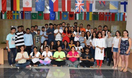 ВУМ отбелязва международния ден на йогата с мащабна демонстрация